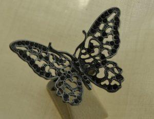czarny motyl srebrny pierścień